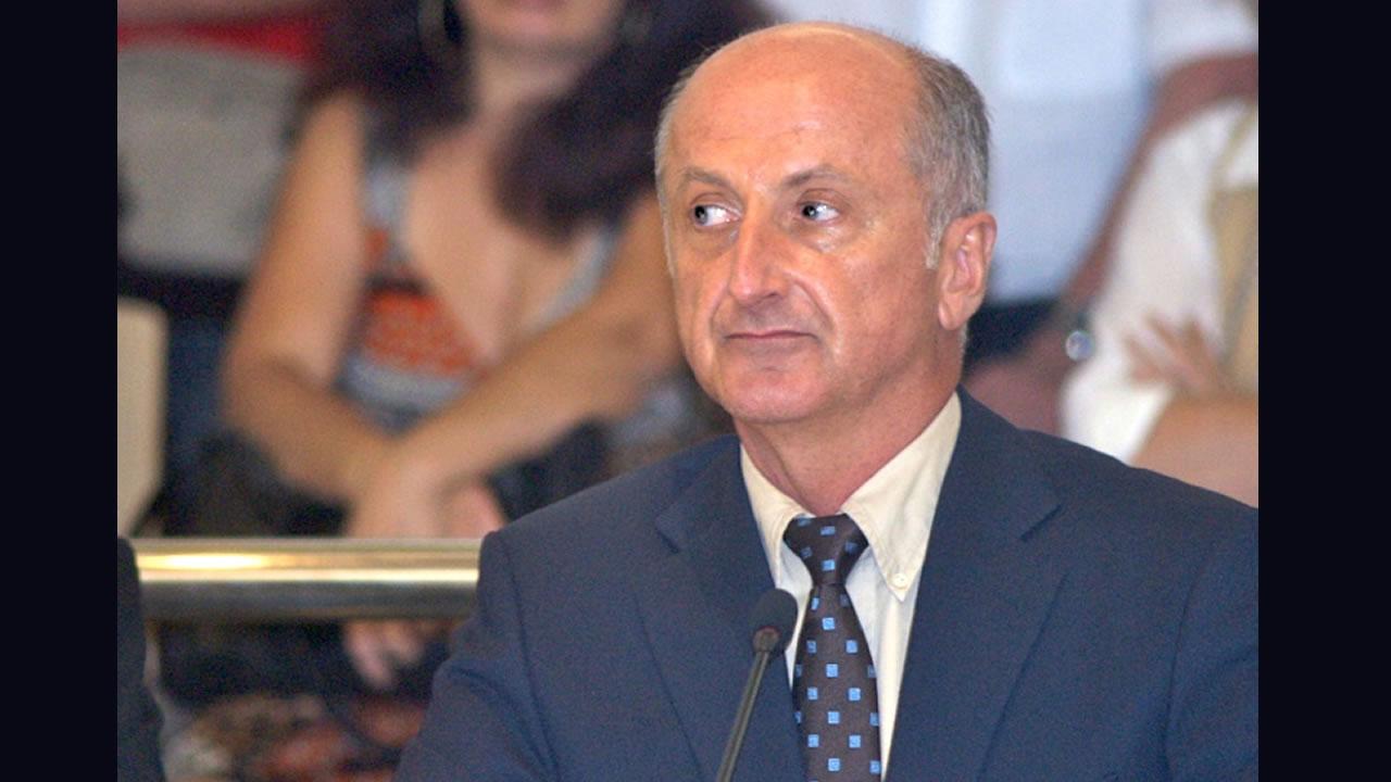 Congrès : Yanno seul contre tous